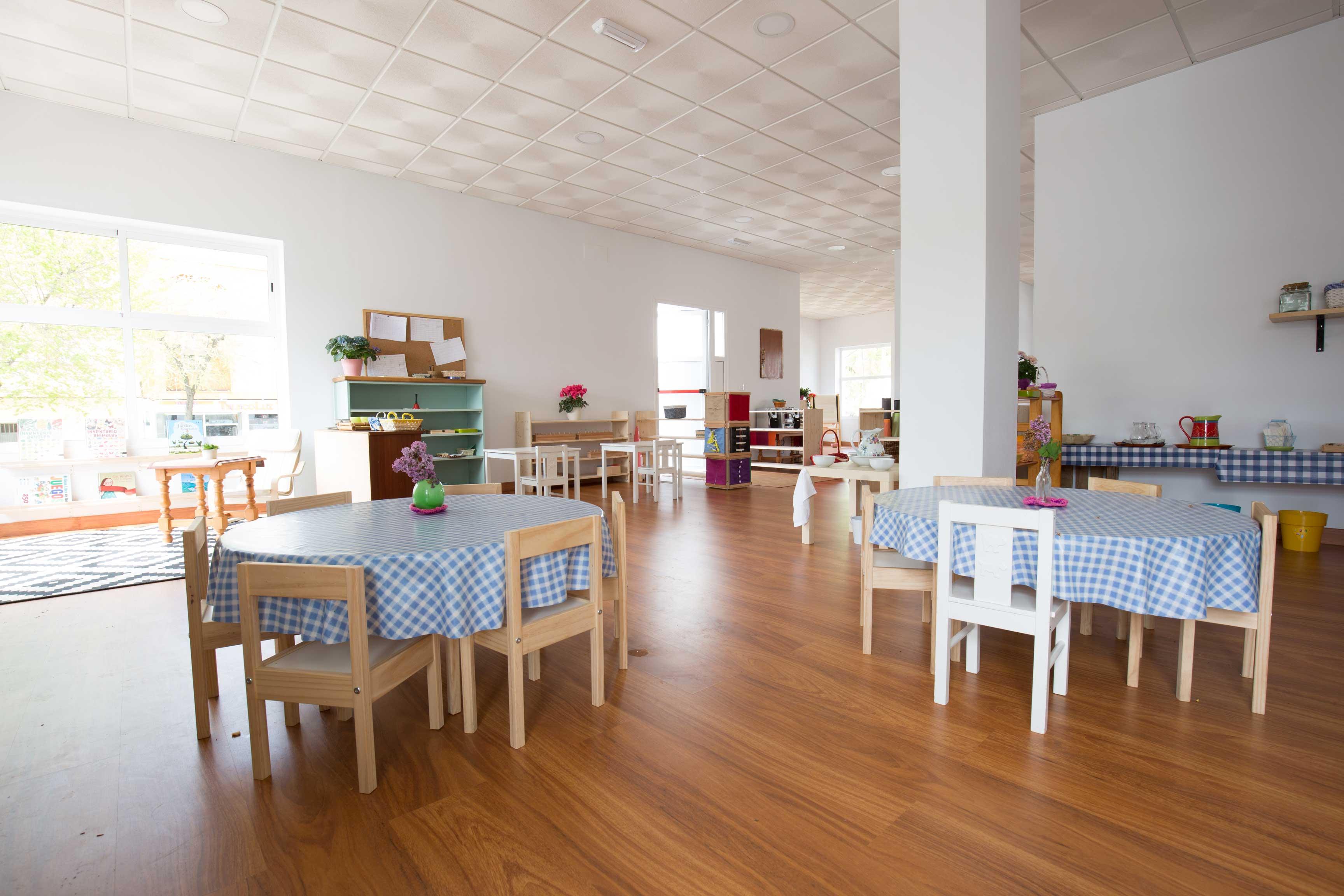 Comedor casa de los ni os rooter school for Proyecto de comedor infantil